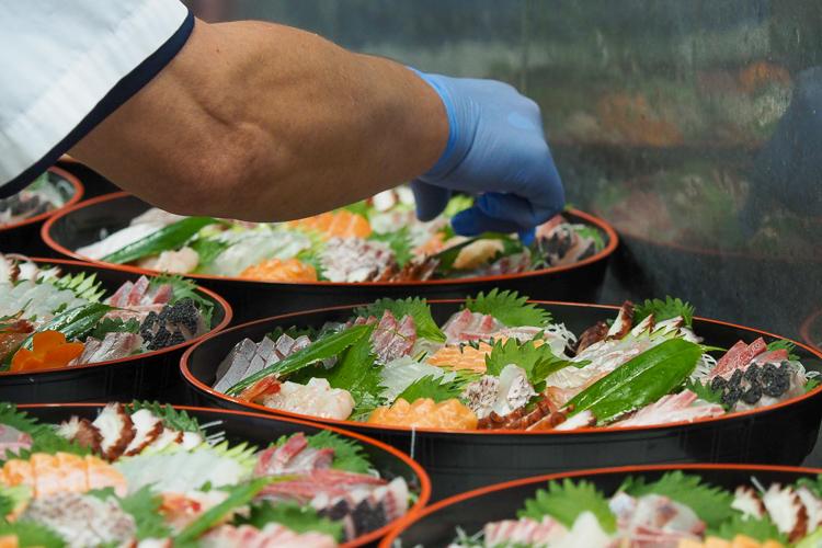 自社加工場での活魚・鮮魚の加工